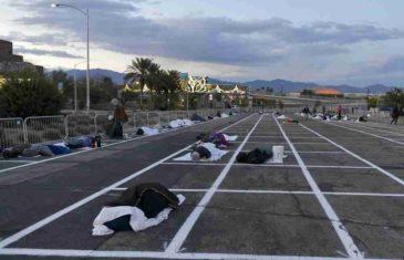 GRAD GRIJEHA NEMILOSRDAN PREMA BESKUĆNICIMA: U Las Vegasu ih zbog korone izbacili iz skloništa, a smjestili na parking