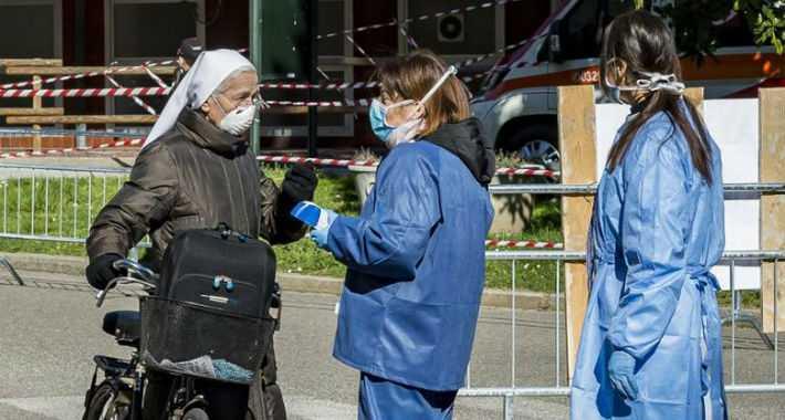 ŠOK TVRDNJE ITALIJANSKOG DOKTORA: Čudna upala pluća kružila je Lombardijom još u novembru! INTERVJU O KOME SVI PRIČAJU!