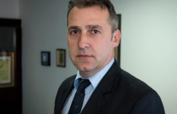 Dok Austrija dnevno testira do 4000 ljudi: Zašto je Mirsad Jašarspahić, nakon upornog insistiranja, tek juče testiran?!