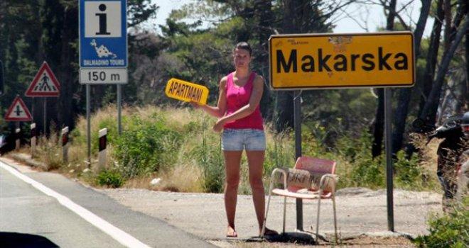Turisti masovno otkazuju smještaj, bookinga nema… Iznajmljivači: Cijene će pasti za 20 do 25 posto!