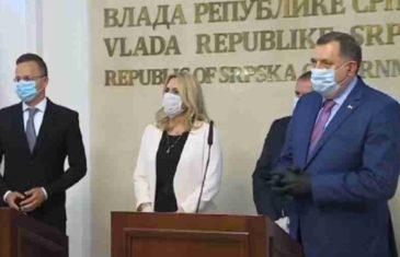"""NAKON SKANDALA U BANJA LUCI, OGLASILA SE I PREVODITELJICA: """"Za Republiku Srpsku u mađarskom jeziku se koristi pridjev bosanska kako bi se…"""""""