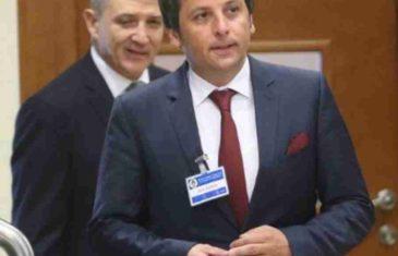 """VUKANOVIĆ POZVAO NAROD U RS-u DA SE SUPROTSTAVI DODIKOVOM REKETIRANJU: """"Teret da podnesu prebogati i korumpirani političari, NE DAJTE IM NI…"""