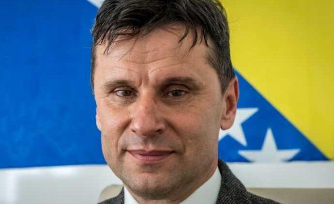 MJERE ZABRANE SUDA BIH: Evo šta ne smije Fadil Novalić…