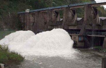 Kod brane Modrac dostignuta kota pri kojoj počinje obavještavanje o poplavama