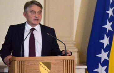 """KOMŠIĆ MATIRAO DODIKA I ČOVIĆA: """"Za HDZ je politički neprihvatljivo da mrtvi ne glasaju, a za SNSD da oni ne štampaju glasačke listiće"""""""