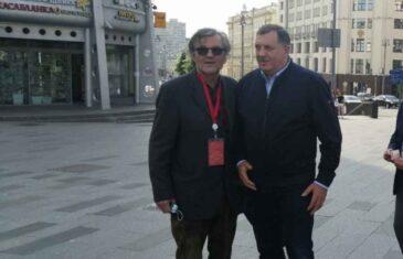 JA TEBI SERDARE, TI MENI VOJVODO: Dodik u društvu Kusturice prošetao Moskvom