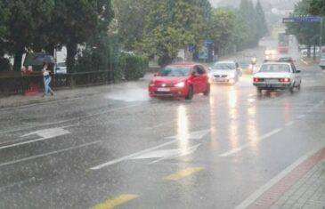 Sad se pripremite na novi preokret: Meteorolozi od večeras najavljuju opet potop, munje i…