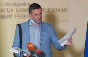 """NOVI MOMENAT U PREDMETU """"RESPIRATORI"""" MOGAO BI BITI KLJUČAN: Novalić nije kontaktirao Zolaka za dozvolu """"Srebrenoj malini"""", pa je sada čudno kako…"""