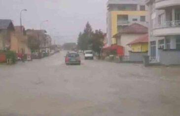 JAKO NEVRIJEME U BANJOJ LUCI: Poplave na ulicama, problemi u…