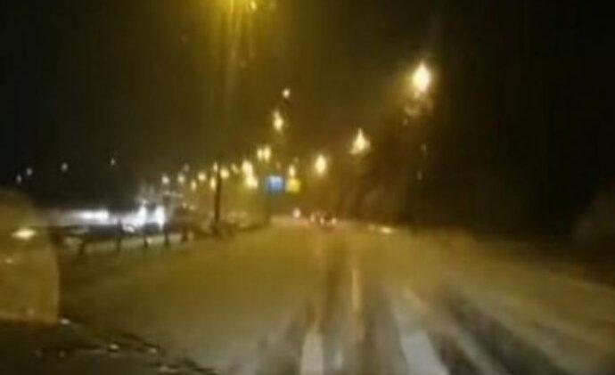 ZABIJELIO GLAVNI GRAD, SNJEŽNA OLUJA ZATRPALA ULICE: Led debeo nekoliko centimetara…
