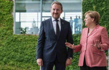 NJEMAČKI POLITIČAR STEFAN SCHWARZ: Angela Merkel je u pravu, Bosni i Hercegovini treba više…