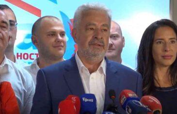 """KRIVOKAPIĆ BI TO RADIO UDARIO, ALI NE SMIJE: """"Kada bi povukli priznanje nezavisnost kosova, Vlada bi…"""""""