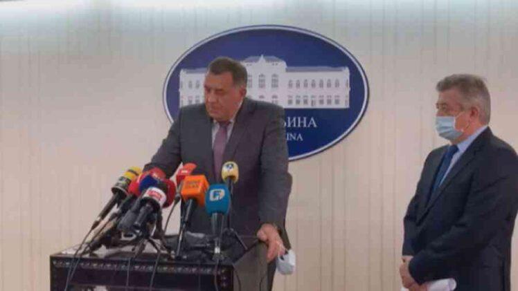 KAO DA JE VUČIĆEV POTRČKO: Mićo Mićić štanca zahvalnice svom novom šefu iz Laktaša; Dodik je prvo bio kum, a sada će dobiti i…
