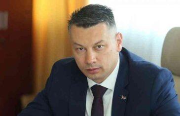 """NEŠIĆ SE ŽESTOKO OBRUŠIO NA KOMŠIĆA: """"Zahtjev za održavanje posebne sjednice Predsjedništva o priznavanju Kosova je žestok šamar…"""""""