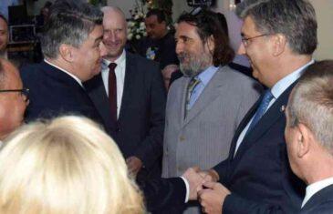 JEDAN DRUGOGA NE MOGU SMISLITI: Plenković je ipak pružio ruku Milanoviću, a onda je uslijedila neslana šala…
