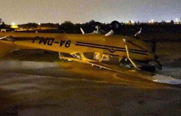 APOKALIPTIČNI PRIZORI IZ HRVATSKE: Olujni vjetar prevrtao avione, pogledajte kakvu je pustoš iza sebe ostavila pijavica…