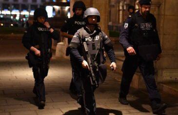 TERORISTIČKI NAPAD U SREDIŠTU BEČA: Više je mrtvih i ranjenih, pucalo se na čak šest lokacija u gradu; Objavili uznemirujuće snimke