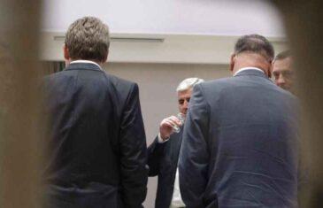 """ZAGREBAČKI """"JUTARNJI LIST"""" O OBRAĆANJU KABADAHIJE I """"LEGITIMNOG"""": """"Kako se nastup lidera bh. Hrvata i Srba pred UN-om pretvorio u veliki debakl i blamažu"""""""