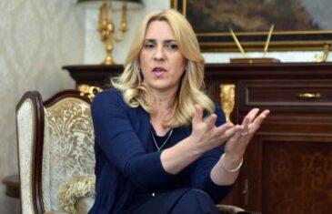ODAVNO NIKO NIJE OVAKO POKUŠAO PONIZITI PREDSJEDNIKA SDS-a: Željka Cvijanović komentirala reakciju Mirka Šarovića, a bolje da nije…