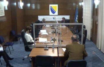 """VANJA JE ZNALA ŠTA JOJ SE SPREMA: Pogledajte kako je članica CIK-a """"predvidjela"""" besramne napade Milorada Dodika"""