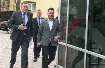 E, AKO MU ON NE POMOGNE, NIKO NEĆE: Košarac ustao u odbranu stranačkog šefa Dodika