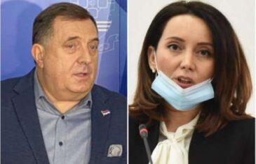 Dodik vrijeđao Srpkinju, članicu CIK-a, optužio je da je udata za Bošnjaka i nazvao je fukarom zbog Srebrenice