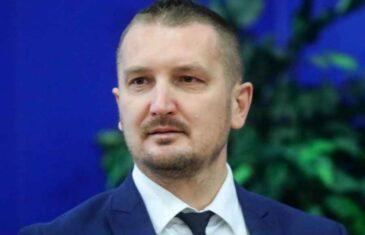 SRAMOTA, ČOVIĆEV MINISTAR SVJESNO KRŠI USTAV BiH: Josip Grubeša ne priznaje najznačajniju instituciju u…