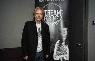 NEVJEROVATNI DANI U OPKOLJENOM GRADU: Bruce Dickinson radi na filmu o koncertu koji je održao u ratnom Sarajevu