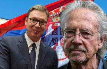 Vučić uručio orden Srbije negatoru genocida. 'Karađorđeva zvezda' za naročite zasluge u predstavljanju Srbije