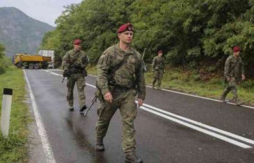 Oklopna vozila Vojske Srbije se povukla u kasarnu, nema ni…