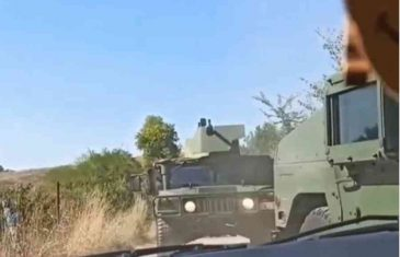 EVO ZAŠTO JE ŠEF NATO-a HITNO POZVAO VUČIĆA NA RAZGOVOR: Objavljen novi snimak kretanja vozila Vojske Srbije kod…