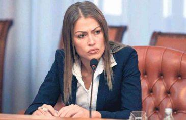 NAJMOĆNIJA ŽENA U MUP-U Isplivale i*timne fotografije Dijane Hrkalović koje je navodno slala mafijašima i…