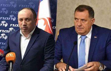 NE SMIRUJU SE REAKCIJE: Crnadak pozvao Milorada Dodika dok je još u patriotskom zanosu i pod uticajem harmonike da…
