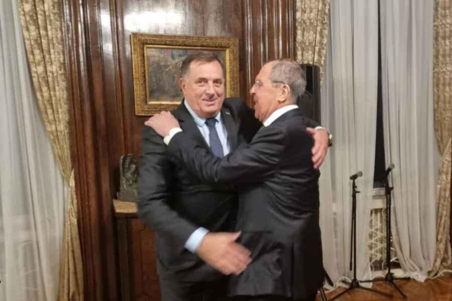 TOKOM BEOGRADSKOG SASTANKA SA SERGEJOM LAVROVOM: Milorad Dodik od Rusije tražio pomoć u…